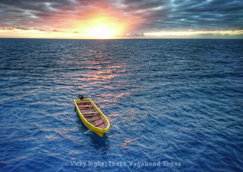fiji_boat_1