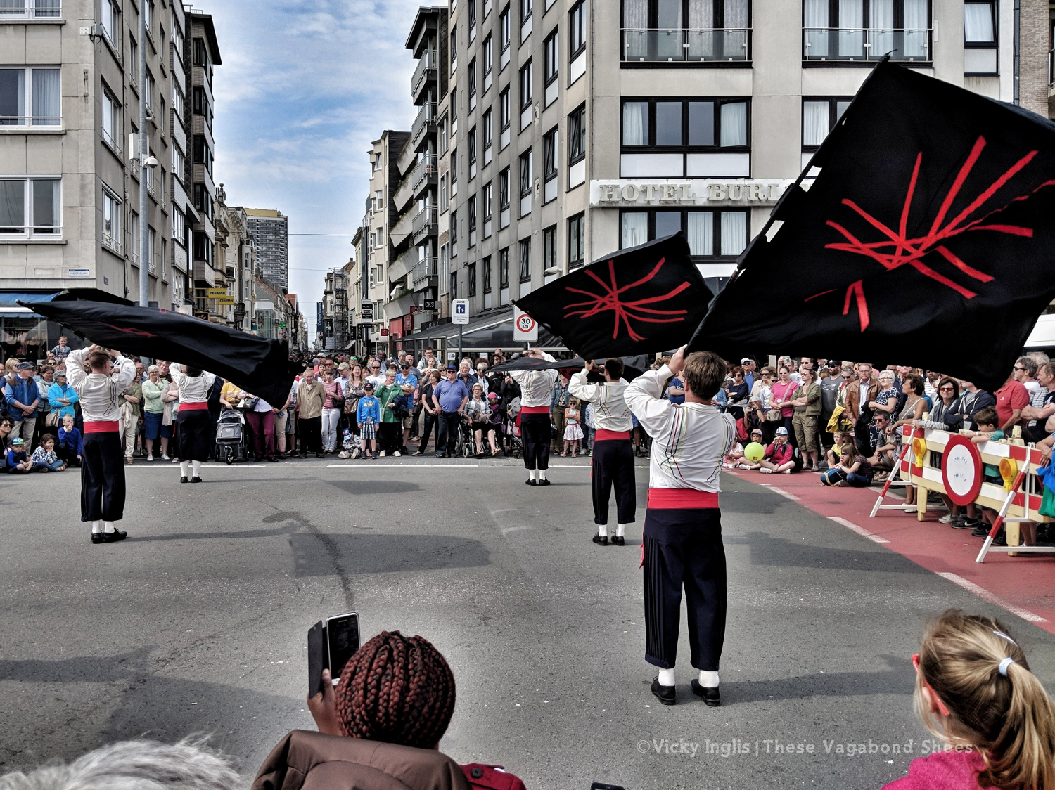 ostend_flag_dancers_small