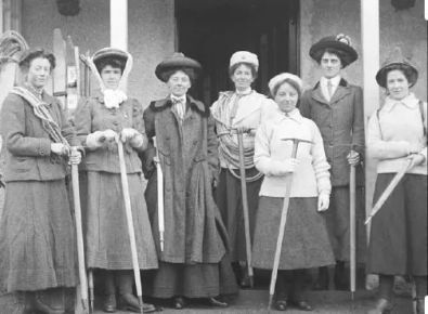 The founding members of the Ladies' Scottish Climbing Club. Photo: Wikipedia
